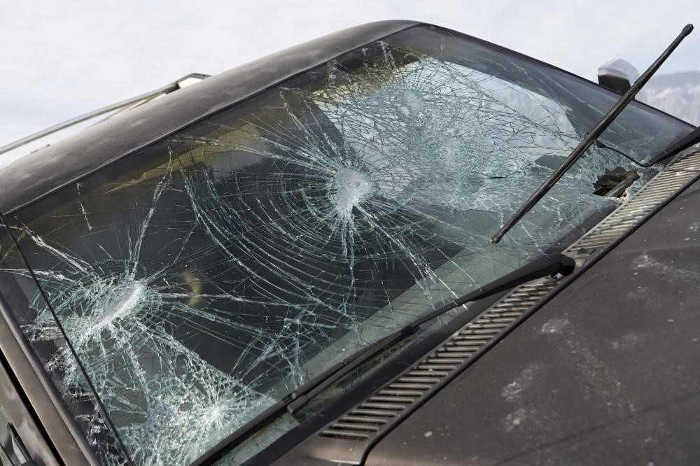 Dos and Don'ts of Cracked Windshield