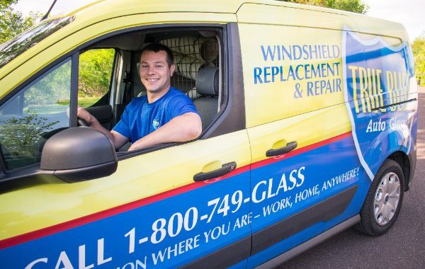 Free Mobile Service for Windshield Repair and Replacement
