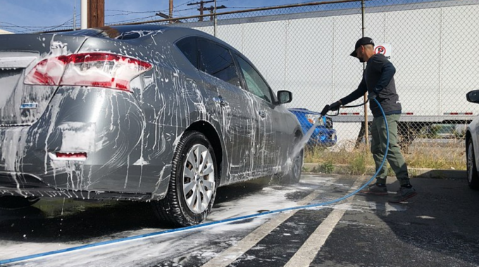 Washing Your Car the Right Way – Taking Care of Your Windshield